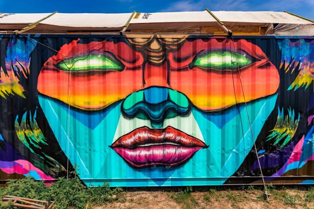 graffiti paint streetart art ozorafestival